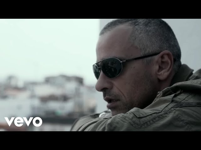 Vídeo de la canción Un Angelo Disteso Al Sole de Eros Ramazzotti