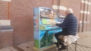 Shostakovich's Second Waltz public piano cover @ station Nijmegen (Oud-conducteur dhr. Gerard)