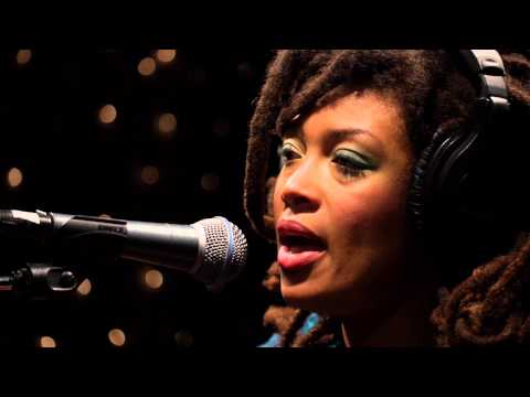valerie-june-twined-twisted-live-on-kexp-kexp