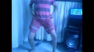 !Sebastian Silva!...  ¿Bailando?..