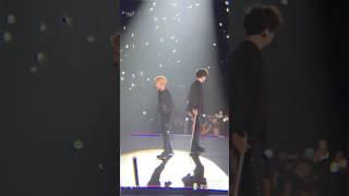 170212 EXO 엑소 - Artificial Love @ EXO'rDIUM in Hong Kong (ChanYeol, BaekHyun focus)