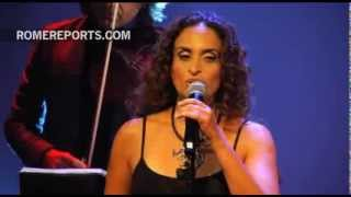 La cantante israelí Noa compone las emotivas canciones del nuevo musical sobre Juan Pablo II