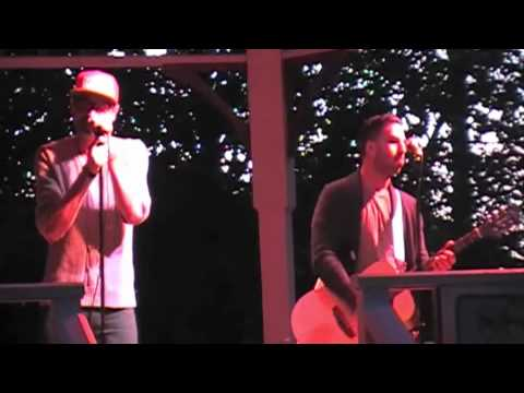 cute-is-what-we-aim-for-sweet-talk-101-live-acoustic-lyrics-kevin-klus