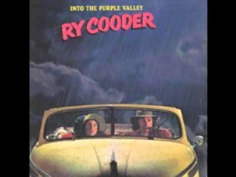 ry-cooder-taxes-on-the-farmer-feeds-us-all-sickboy3883