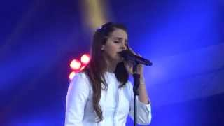 Lana Del Rey- Young & Beautiful LIVE HD BERLIN