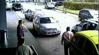 Drug Dealers with machine guns invade Luxury Hotel Rio de Janeiro - Brazil   21_08_2010