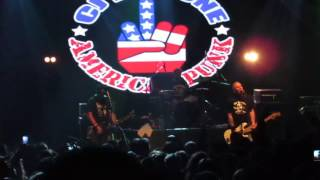 CJ RAMONE  The Ramones - I Wanna Be Sedated - Vivo en Flores