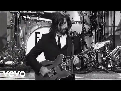 foo-fighters-bridge-burning-live-on-letterman-foofightersvevo