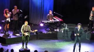 Gino Vannelli - People Gotta Move