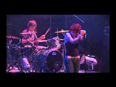 A Noise Severe de Gathering Letra y Video