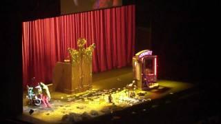 2011-12-22 Urbanus Zelf - Quand Les Zosiaux Chantent Dans Le Bois (Sportpaleis Antwerpen)