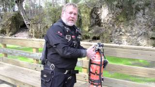 Nomad Sidemount - Clipping Off Bottles Using Ring Bungees
