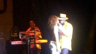 Neyo live in Concert - When you're mad 2006