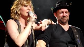 "Sugarland ""All I wanna do"" live at Merriweather Post Pavillion"