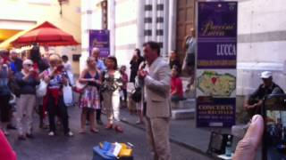 PUCCINI's TURANDOT performed LIVE on the street in Tuscany!