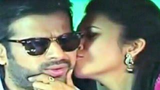 Yeh Hai Mohabbatein 4th April 2015 Ishita Kiss Raman In Car width=