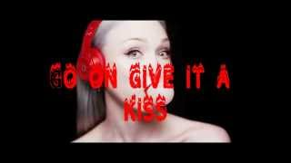 Biscuit ~ Ivy Levan (Lyrics)