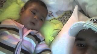 """""""Princesa Pestañas: su Angelito y su Diablito, al descubierto""""... junto con papá."""