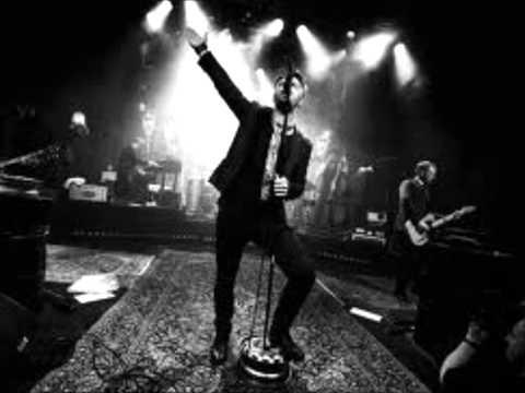 kaizers-orchestra-perfekt-i-en-drm-lyrics-hhegehagen