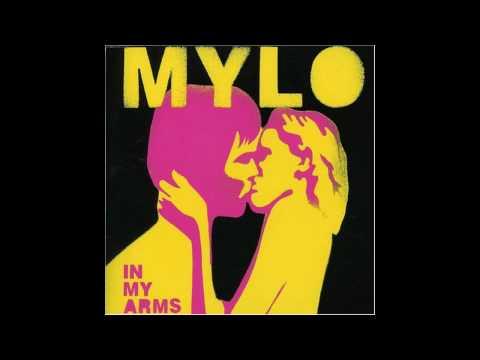 In My Arms de Mylo Letra y Video