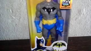 ONBOX DE UM ACTION FIGURE DO BATMAN AZUL