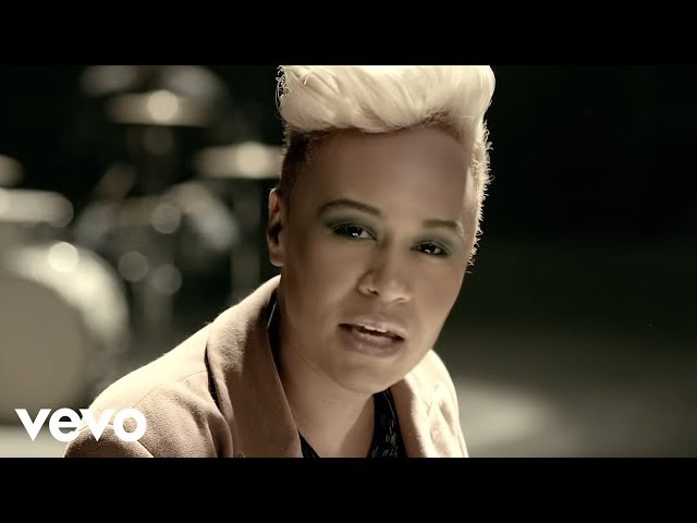 Video oficial de Next to me de Emeli Sandé