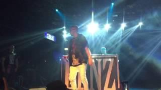 "Vegas Jones ""Gucci Benz"" feat. Emis Killa, live Magazzini Generali 20/05/17"