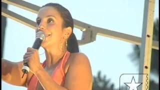 """Ivete Sangalo canta """"Sorte Grande (Poeira)"""" no Credicard Hall - Arquivo Radar 2005"""