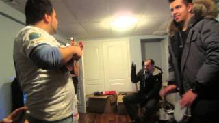 Portuguese Guys play and sing Punjabi Mc - mundian to bach ke