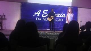 Delino Marçal - Ele é Deus na conferência A Essência da Adoração na Tijuca.
