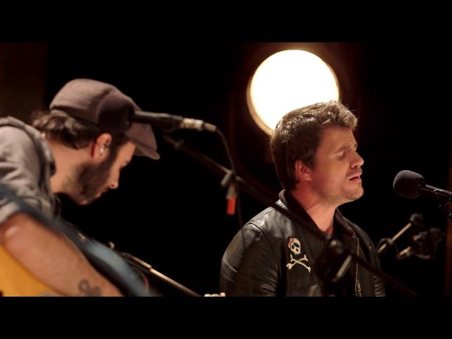 """Video oficial de """"Todos mis males"""" de Sidecars con Dani Martín"""
