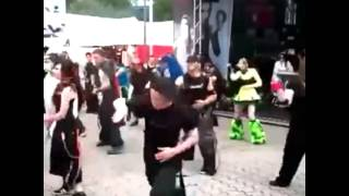 GOTH kids dancing to Migos