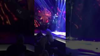 "Teatro: O Νότης τραγουδάει LIVE το "" Δε σε χρειάζομαι "" !!"