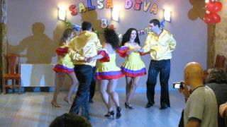 Salsa Diva Students performing rueda choreography @ 8th Salsa Diva Birthday