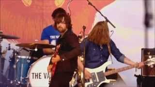 The Vaccines-  Wolf Pack (with Pete Robertson drum intro) Glastonbury 2013