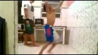 Dançar kuduro é perigoso!