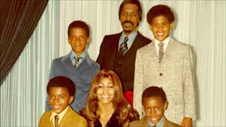 Tina Turner's Eldest Son Dies In Apparent Suicide