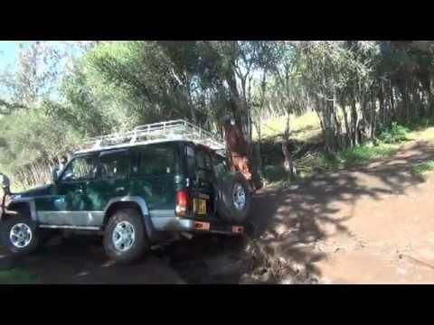 inundaciones kenia rescatando coches