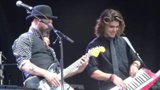 LIVING IN A DREAM - PSEUDO ECHO LIVE AT THE MYER MUSIC BOWL MELBOURNE 11/12/16