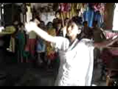 Agrasara Orphanage Bangladesh – Polly's dance performance 3