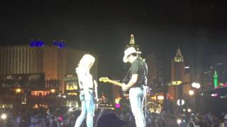Brad Paisley and Lindsay Ell jam session at Route 91 Harvest Festival 2016