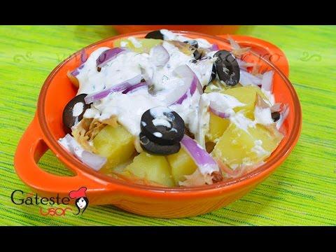 Reteta de Salata de Cartofi cu Macrou Afumat si Ceapa Rosie