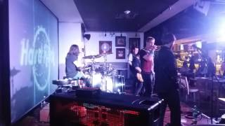 """Live at Hard Rock Cafe - """"I fought The Law""""(The Clash/Cover)"""