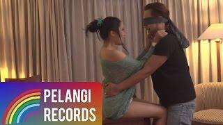 Angkasa - Biarlah Bulan Bicara  (Official Music Video)