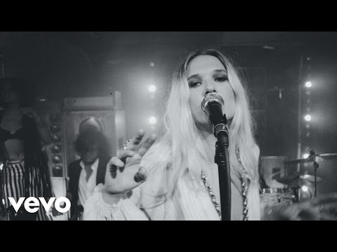 wild-belle-giving-up-on-you-wildbellevevo