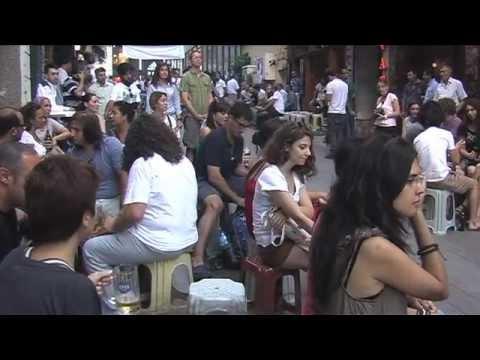 """""""Beyoğlu'nu Seven Gelsin"""" Masa Sandalye Yasağı Protestosu"""