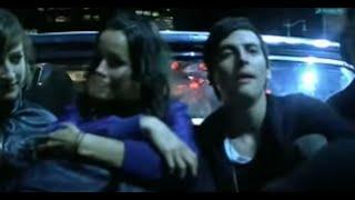 Kinky - Hasta Quemarnos [Official Music Video]