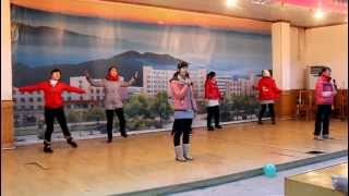Chinese Students perform Chinese Pop Song (Dare to Dream 2012)