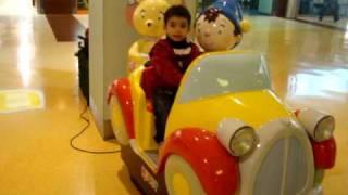 Família em Portugal (Dez/2009)  - Cauã Gabriel c/ o amigo Noddy e a Ursa -Teresa