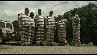 Inmates help save deputy's life